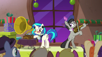 DJ Pon-3 and Octavia making old-timey music S6E8
