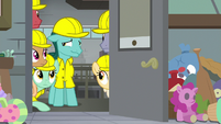 Factory Pony looking embarrassed S9E14
