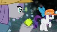 Maud quickly finds a chunk of chartreuse S7E4