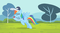 Rainbow blowing her whistle S4E05