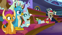 Students excited to see Trixie's magic S8E15