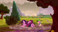 Twilight and Spike drops into another future S5E26
