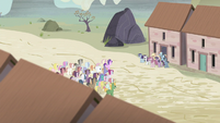 Twilight and friends are let out again S5E2