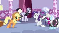 Applejack -not sure how you wear singin' birds- S7E9