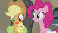 Applejack thoroughly confused S5E20