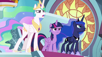 Princesses have face-off with Cozy Glow S9E24