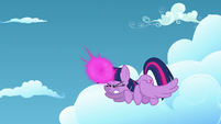Twilight Sparkle about to teleport herself S5E26