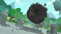 Cloud of darkness growing in size S7E25