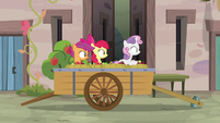 Cutie Mark Crusaders observe Big Mac from the cart S7E8