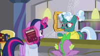 "Librarian Pony ""I don't know her"" S9E5"