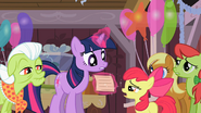 S02E14 Twilight czyta list od Applejack