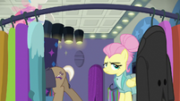 Snooty Fluttershy loses another customer S8E4