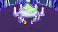 Starlight and Sunburst back in the throne room S7E24