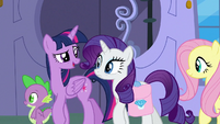 """Twilight """"marshmallow-eating-contest gown"""" S9E24"""