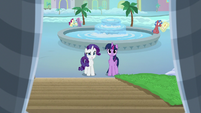 Twilight and Rarity look at Friendship University S8E16