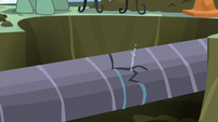 Water main continues to crack S5E10