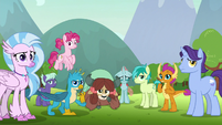Young Six and students look concerned S8E25