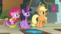 "Applejack ""does anypony need a purple jewel?"" S7E2"
