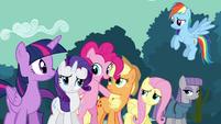 Pinkie Pie -it combines everypony's interests- S4E18