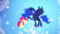 Princess Luna pets Apple Bloom's head S5E4
