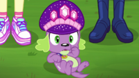 Spike looks at Princess Thunder Guts CYOE14