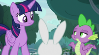 Spike shrugging his shoulders S9E18
