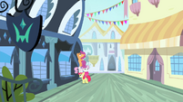 CMC trying to sneak into the studio S4E19