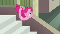 Pinkie Pie jumps while spelling Maud's name --U-- S6E3