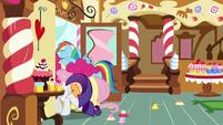 Pinkie and Rainbow Dash get stuck in the door S8E2