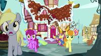 Ponies running away from Pinkie Pie S8E18
