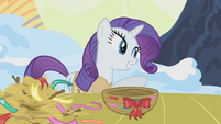Rarity inviting Twilight to help her S1E11