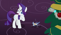 Rarity sees the ornament shatter S6E8