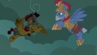 S07E16 Flash zwraca tarczę dowódcy