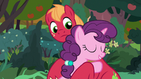Sugar Belle hugging Big McIntosh S9E23