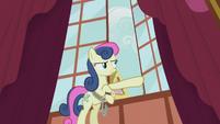 Sweetie Drops opening a window S5E9