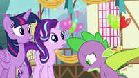 Thorax tapping on Spike's back S7E15
