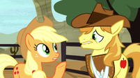 Applejack -how am I supposed to focus- S5E6