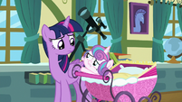 Flurry Heart reaching out to Twilight Sparkle S7E3