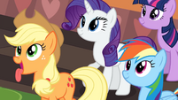 Ponies awing over the cake S2E24