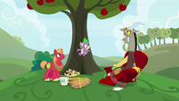 "Spike ""put all the apples in place"" S9E23"