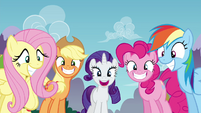Twilight's friends with big grins S4E26