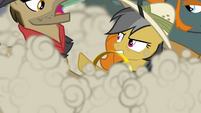 Daring Do and the thugs fighting S4E04