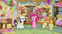 Everything except Pinkie covered in silly string S7E19