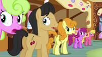 Long line of ponies gasp S02E19
