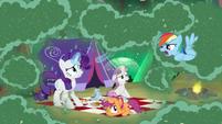 "Rainbow Dash ""follow me, everypony!"" S7E16"