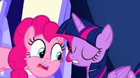 Twilight's eyelashes on her left eye glitch 2 S9E14