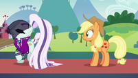 Countess Coloratura angrily walks away from Applejack S5E24
