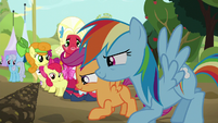 Rainbow and Scootaloo ready to race S5E17