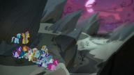 S07E26 Bohaterowie patrzą na Kotlinę Cienia