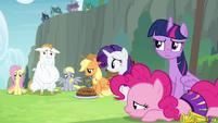 Twilight -is that Rainbow Dash...- S4E10